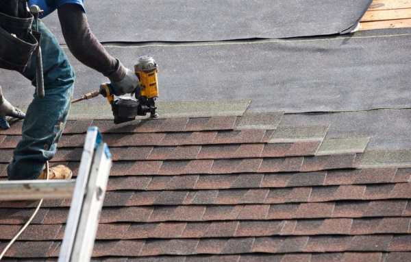 Some Of The Services To Acquire From Roofing Contractors